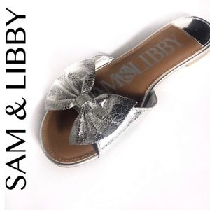 Sam & Libby Silver Harper Bow Slide Sandals Sz 7